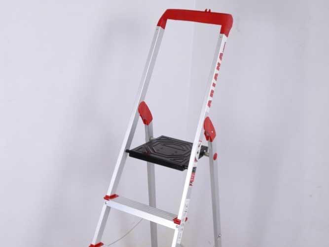 نردبان خانگی 7  پله مدل آریانا